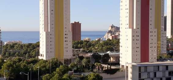 Apartamento en poniente benidorm con vistas al mar